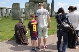 Stonehenge Artsist and Visitors